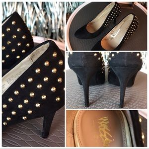 Mossimo gold studded black pumps
